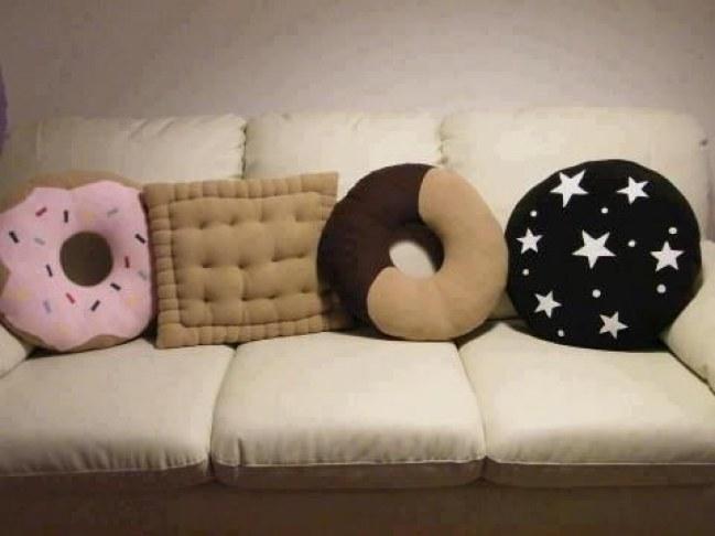 Cuscini particolari a forma di cibo