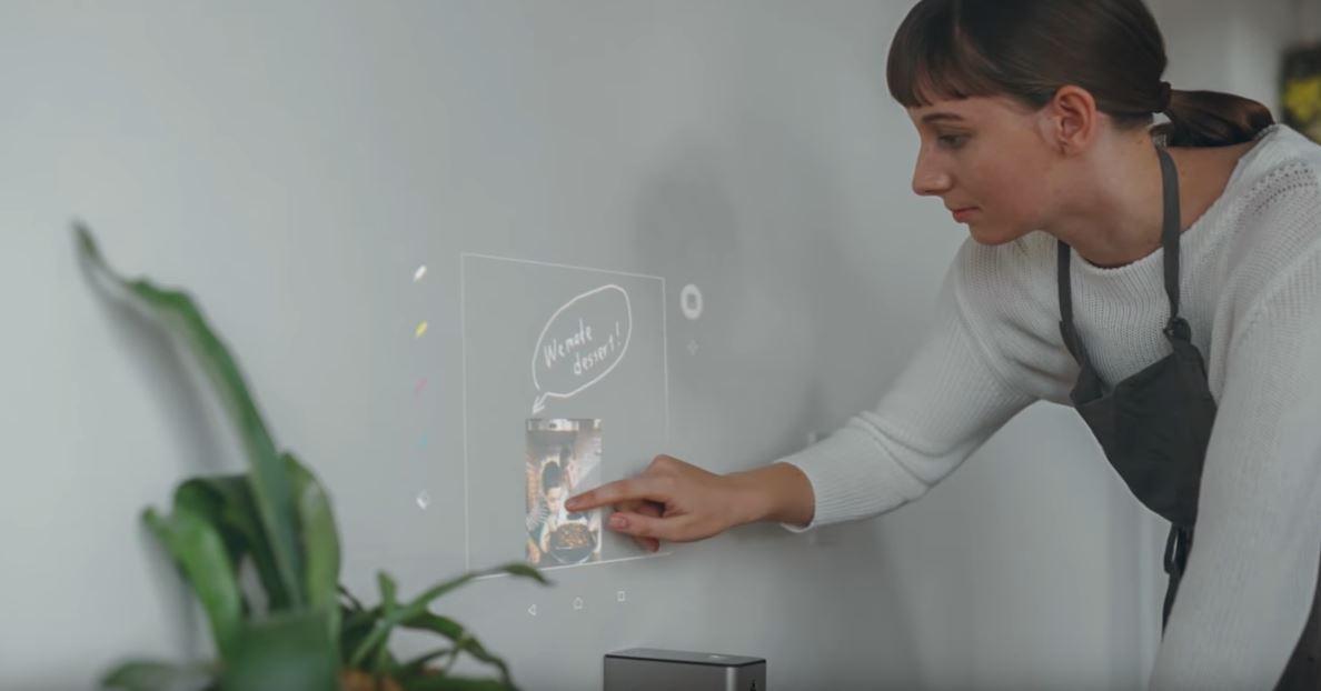 Sony Xperia Touch: proiettore Android che trasforma ogni superficie in touchscreen