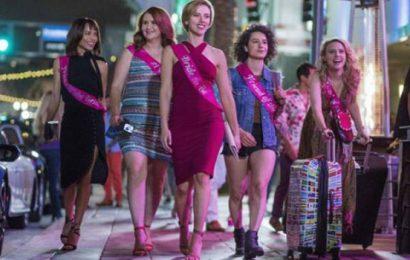 Il trailer di Rough Night , la commedia sexy con Scarlett Johansson