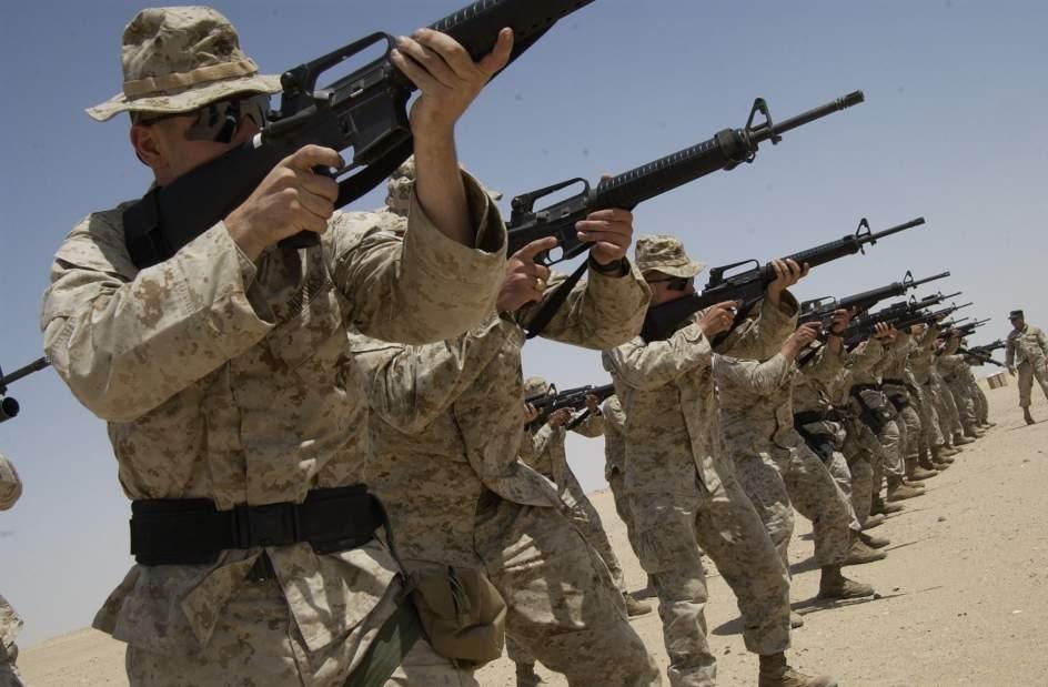 Gruppo di Marines indagato per aver pubblicato su Internet foto di donne della marina nude