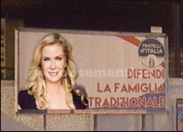 I meme sul manifesto di Giorgia Meloni fatti dagli utenti