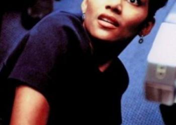 Le donne famose più sexy degli anni '90 ieri e oggi