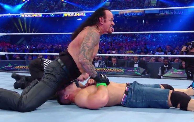 John Cena ha un'erezione durante la lotta contro The Undertaker
