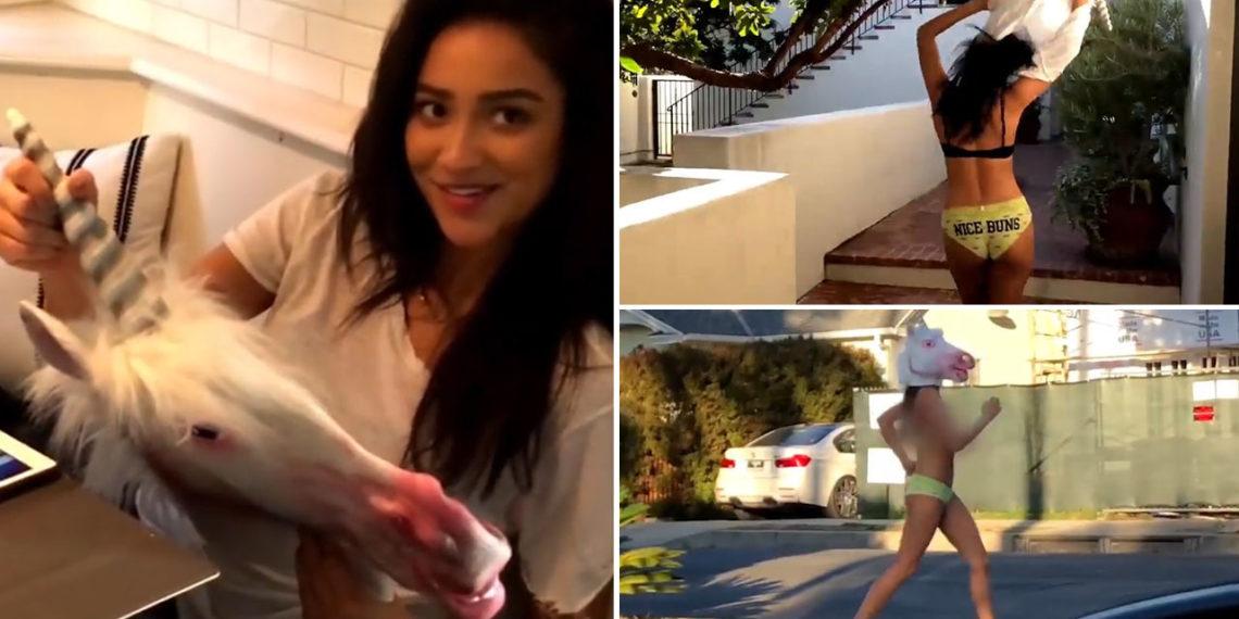 Corre nuda con una maschera Unicorno: il video di Shay Mitchell diventa virale