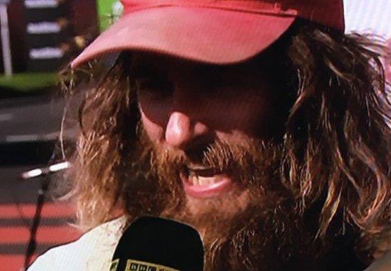 Vestito da Forrest Gump batte il record mondiale della Maratona di Londra