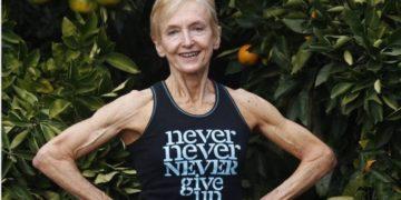 La nonna del bodybuilding ha 75 anni e si chiama Janice Lorraine