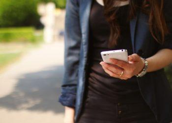 Vorresti manipolare i messaggi inviati di Whatsapp? Oggi si può