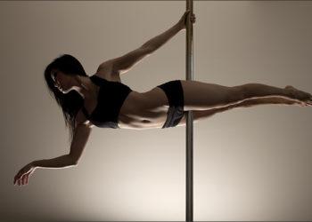 Origini e benefici della Pole Dance