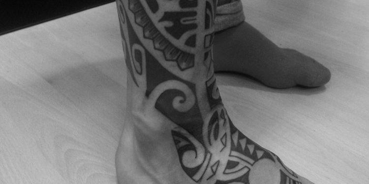 Ecco quali sono le tipologie di tatuaggi cavigliera per la caviglia