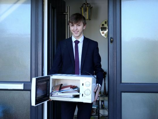 Jacob Ford con il forno a microonde