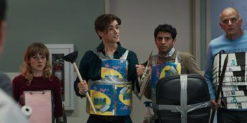 Recensione Office Uprising di Drag Me To Horror